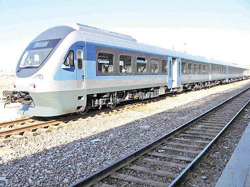 پیشرفت ۹۸ درصدی راه آهن شیراز - یزد