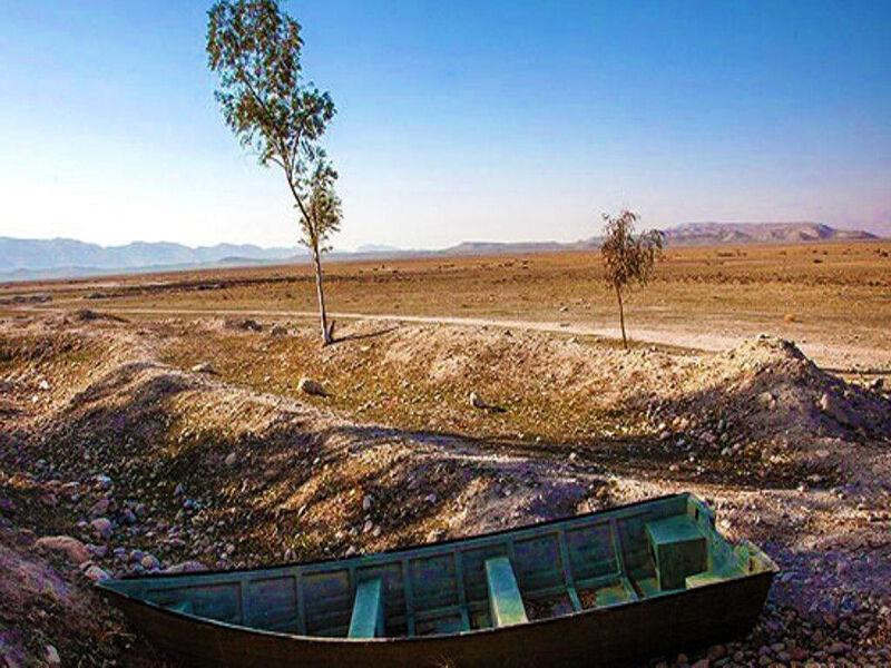 خشکیدگی دریاچه کافتر نتیجه توسعه بیرویه کشاورزی در شمال فارس