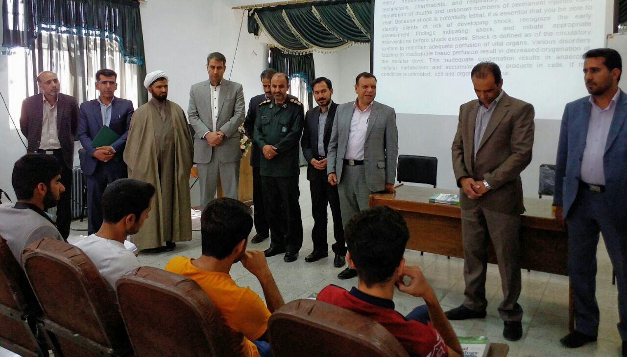 حضور مسؤولان شهرستانی در دانشگاه آزاد اسلامی واحد اقلید به مناسبت گرامیداشت روز معلم
