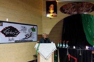 برگزاری نخستین محفل شعر سرو قامتان حسینی در اقلید