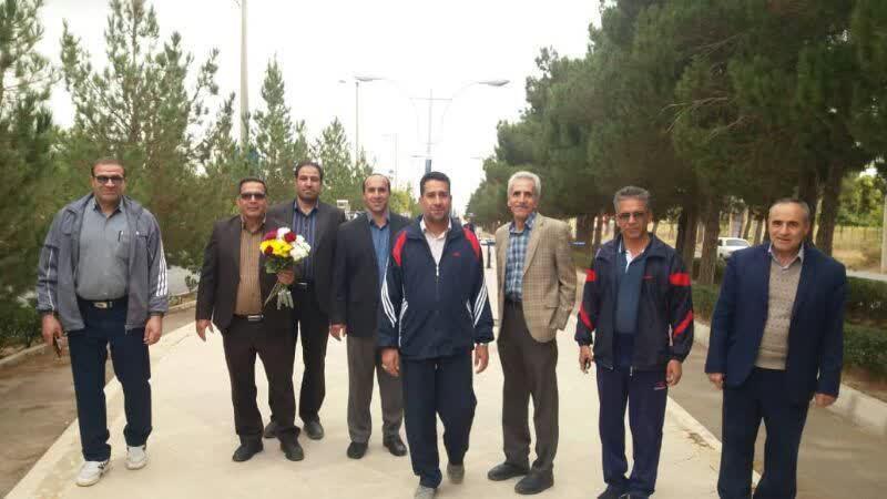 حضور دانشگاهیان در همایش پیادهروی کارکنان دانشگاه آزاد اسلامی