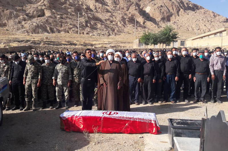 تشییع پیکر جانباز ۷۰ درصد «حاج فرج اله قاسمی» در شهرستان اقلید