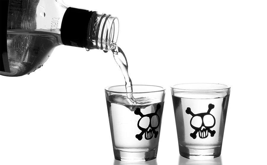 شمار جان باختگان مصرف الکل صنعتی در فارس به ۶۹ نفر رسید