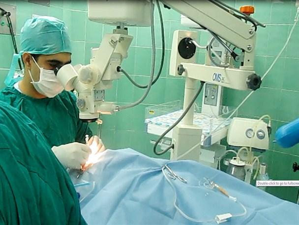 اهدای دستگاه یگ لیزر چشم پزشکی به بیمارستان اقلید