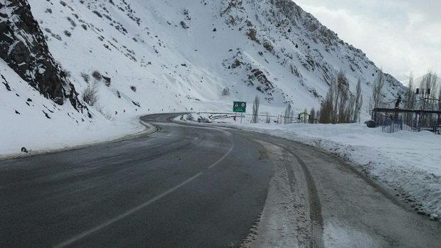 کنترل 52 گردنه مهم فارس در پی بارش برف و باران