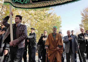 تجمع بزرگ هیئت مذهبی اقلید در روز عاشورا