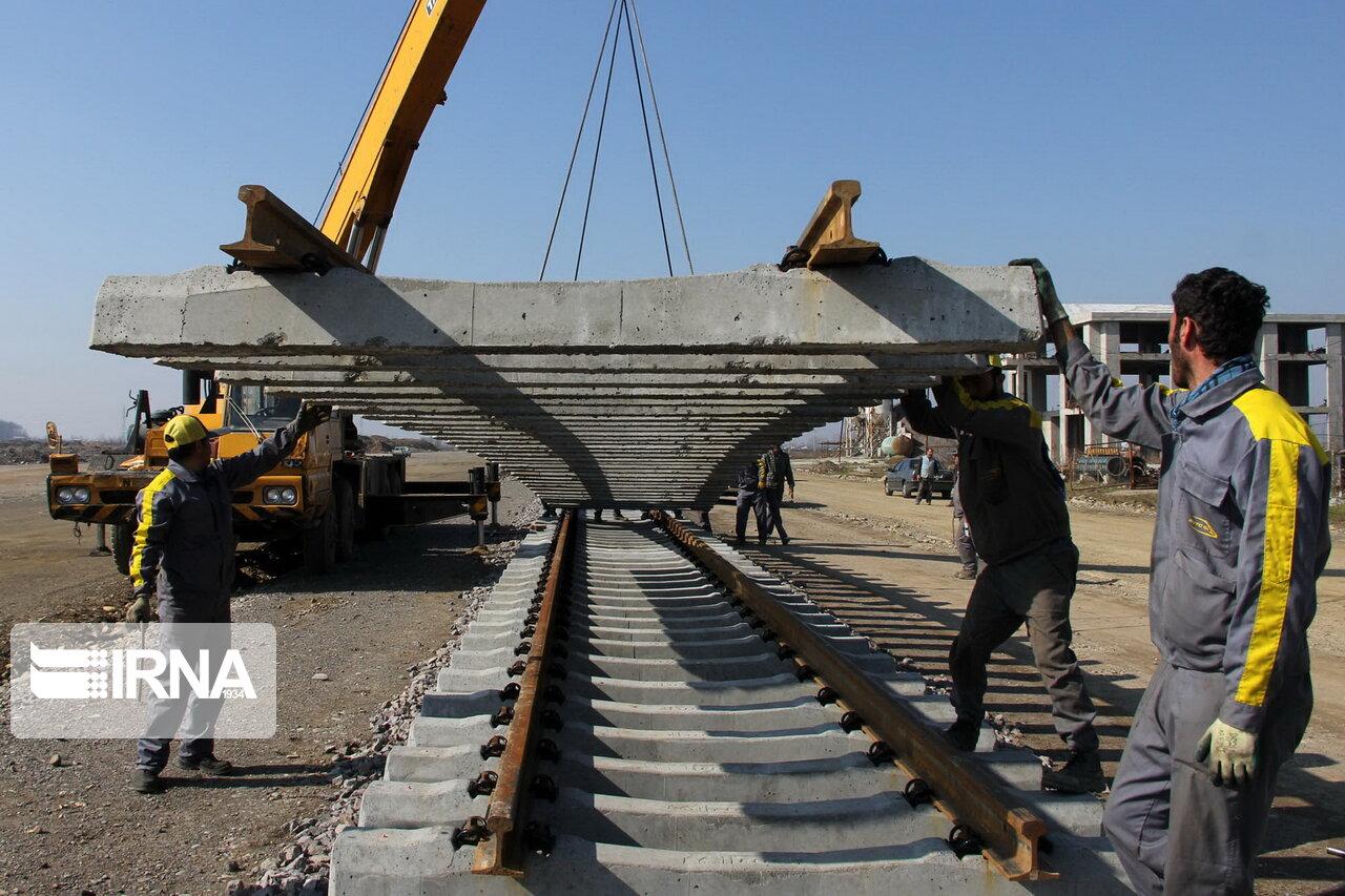 استاندار فارس: راهآهن اقلید - یزد موجب تحول در شمال استان خواهد شد